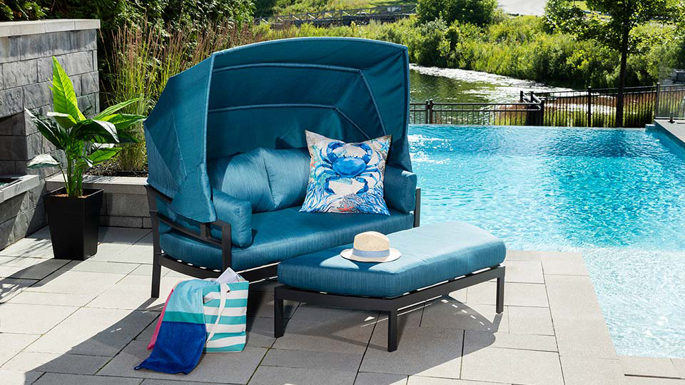 Essence Day Bed