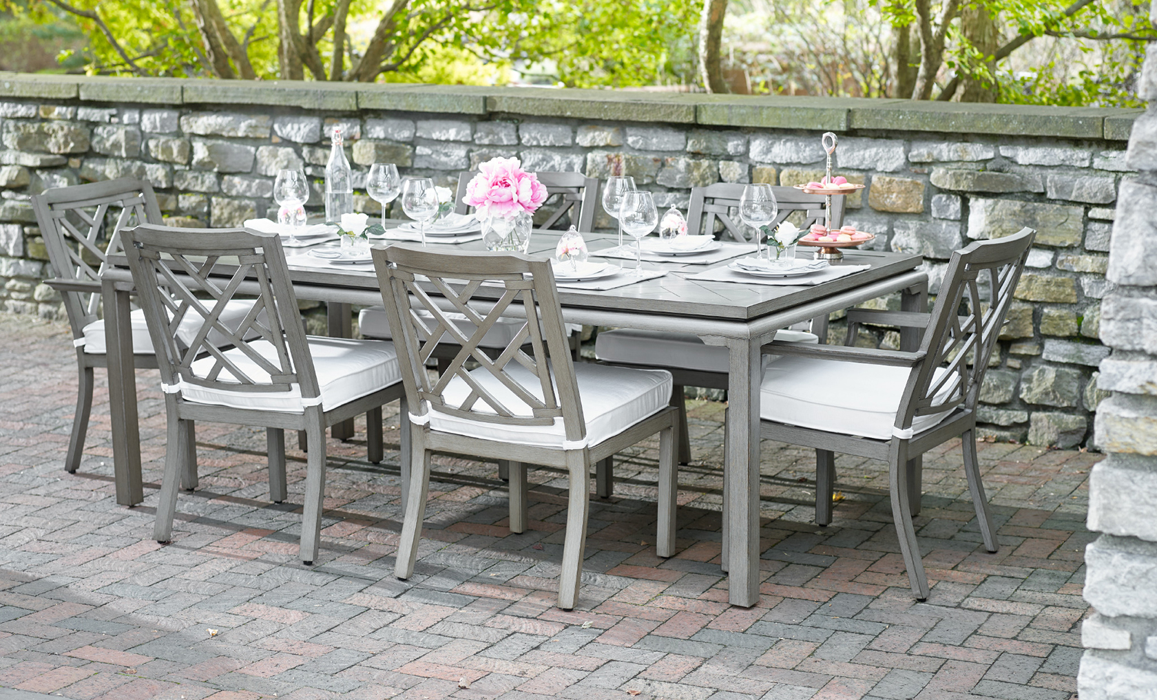 Outdoor Dining Collections