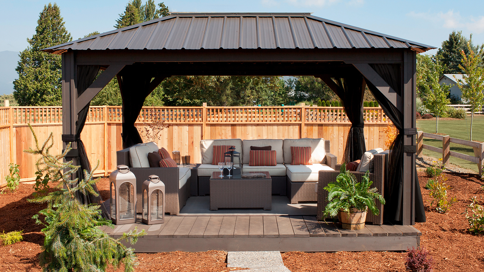 Gazebos Amp Pergolas Crown Spas Amp Pools Winnipeg