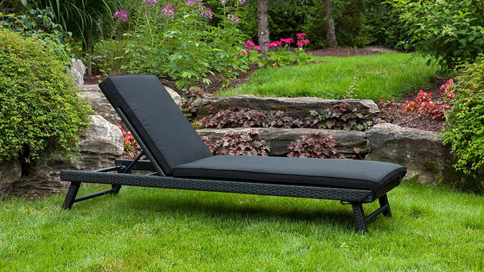 Universal Chaise in Black